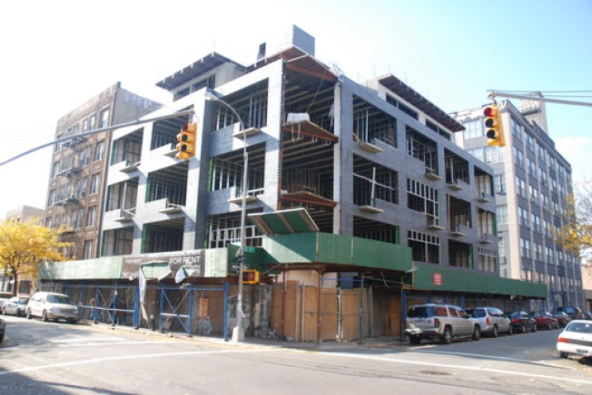 Construction Watch: Bedford Ave. Hot Karl Gets 'The Look'