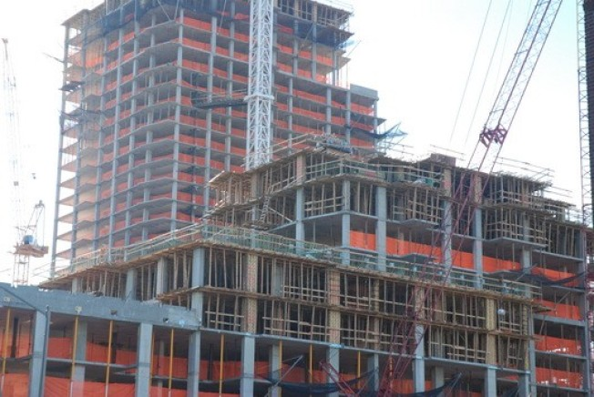 CurbedWire Special: Edge Topping Off Edition
