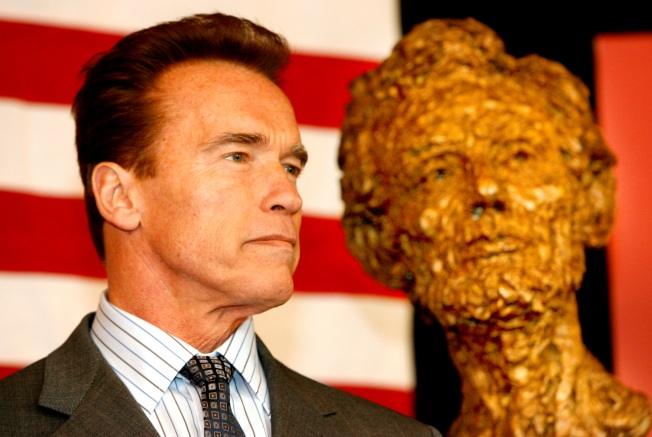 Arnold - A Loner Inside GOP