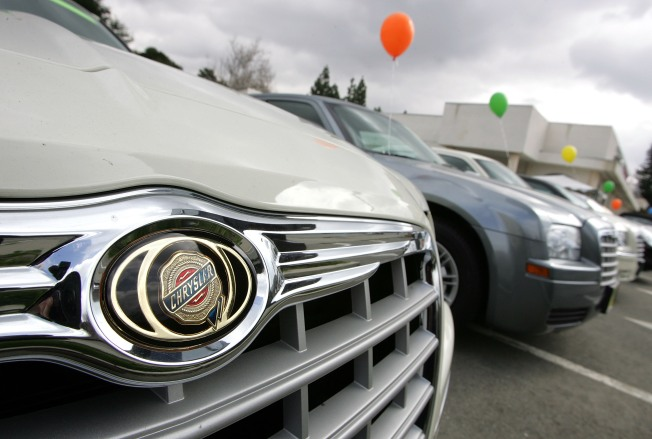 Chrysler Advances, but it's Stop and Go
