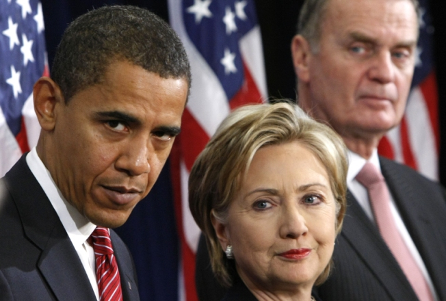 First Cracks Appear in Obama's Team of Rivals