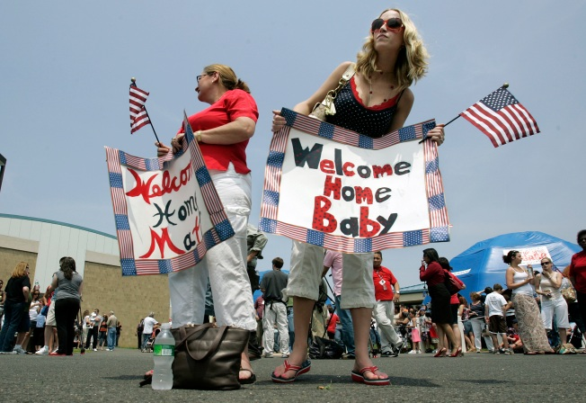Returning Troops Greeted with Love in New Jersey