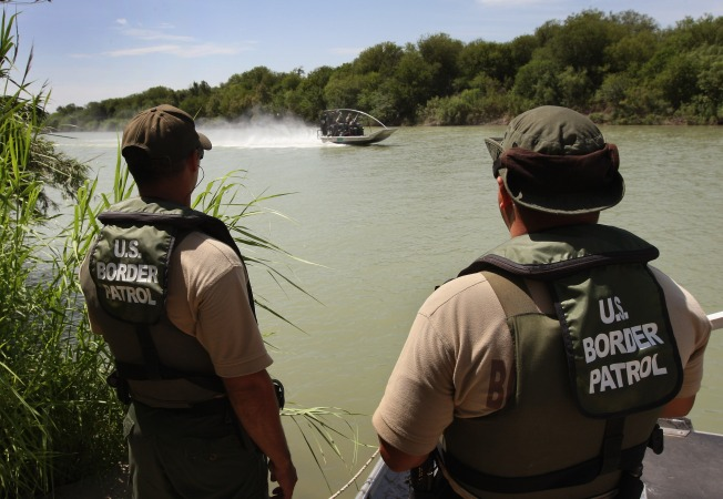 Feds Beef Up Border Against Mexican Drug Cartels