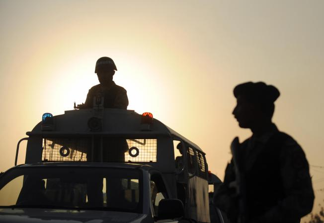 US Urges Calm Over Pakistan Troop Movements