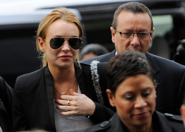 Judge Orders Lohan Back to Rehab