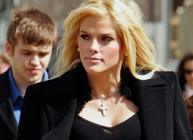 Anna Nicole Judge Accused Of Abuse