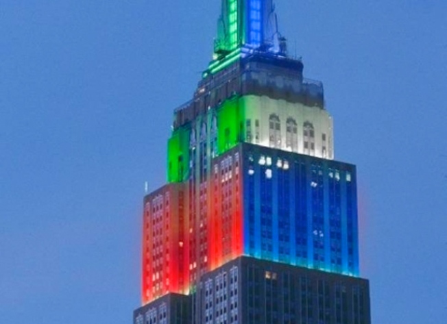 Empire State Building Shines in Holiday Colors All Week