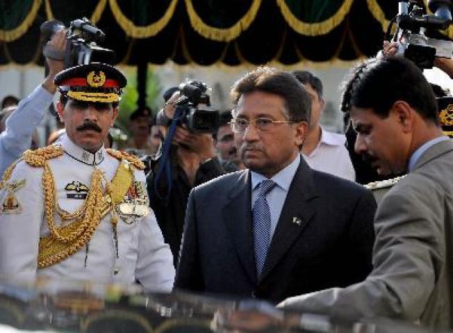 Power Vac After Pakistan's Musharraf Resigns