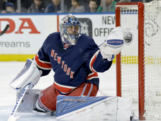 Lundqvist, Rangers Shut Down Red Wings in 1-0 OT Win