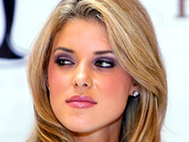 Carrie Prejean & NFL Star Engaged