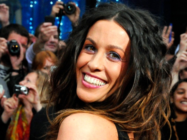Alanis Morissette and Rapper Hubby Expecting