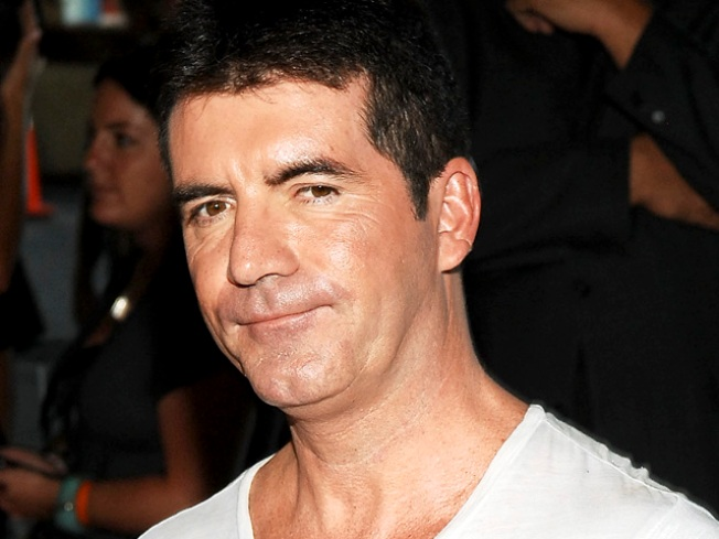 "Simon Cowell Announces He's Leaving ""American Idol"""