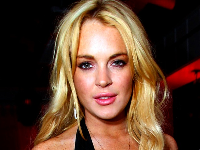 Waitress Denies Punching Lindsay Lohan: 'That Disturbed Little Train Wreck Is Delusional'
