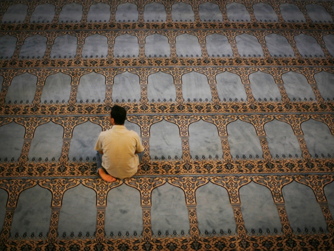 Canadian Mosque Creates 12-Step Terrorism Rehab