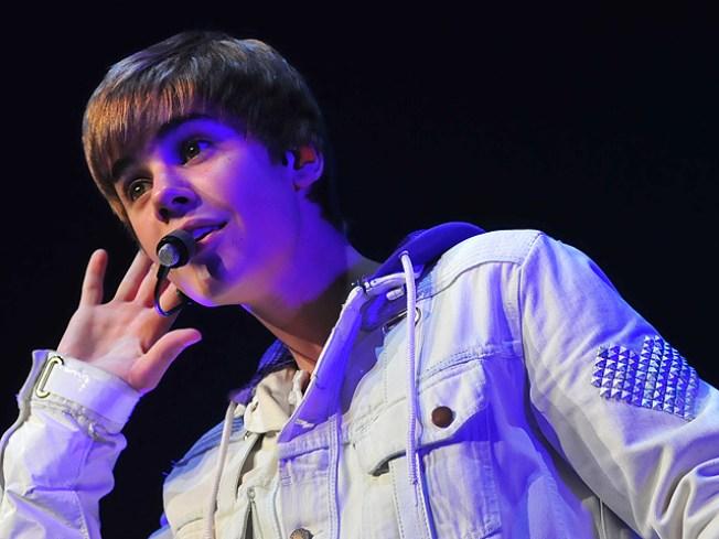 Justin Bieber Celebrates 2011 By Slapping His Friend Awake