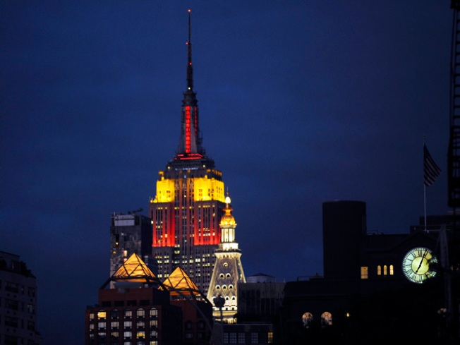 Empire State Building Honors China, Lights Up Critics
