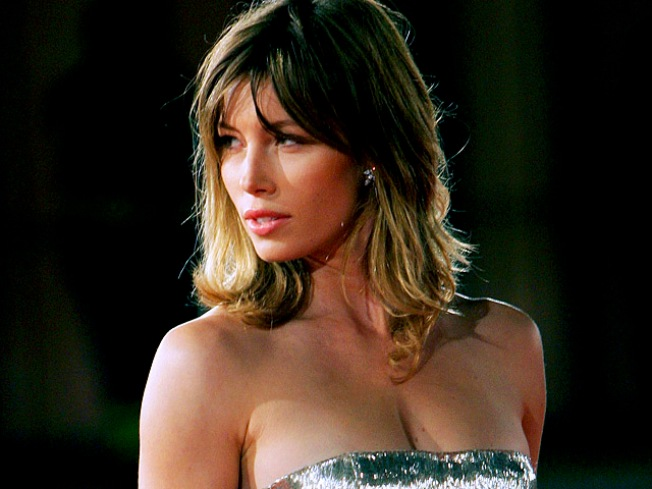 Jessica Biel Gets 'Engaged'