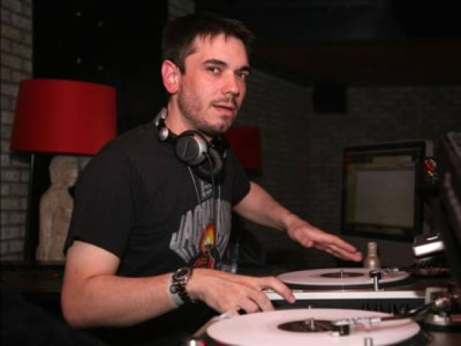 DJ AM Performs For First Time Since Crash
