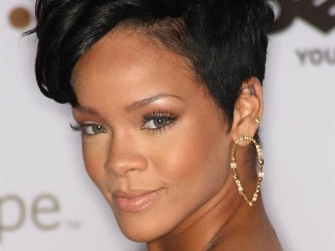 """Rihanna """"Eases"""" Back Into Studio"""