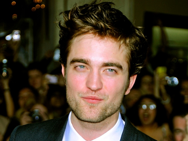 "Robert Pattinson On His New Haircut, Pillow-Biting With Kristen & Taylor Lautner's ""Eclipse"" Nude Scene"