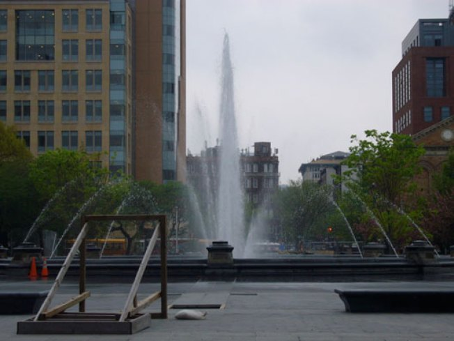 BREAKING: The Washington Square Park Fountain is ON