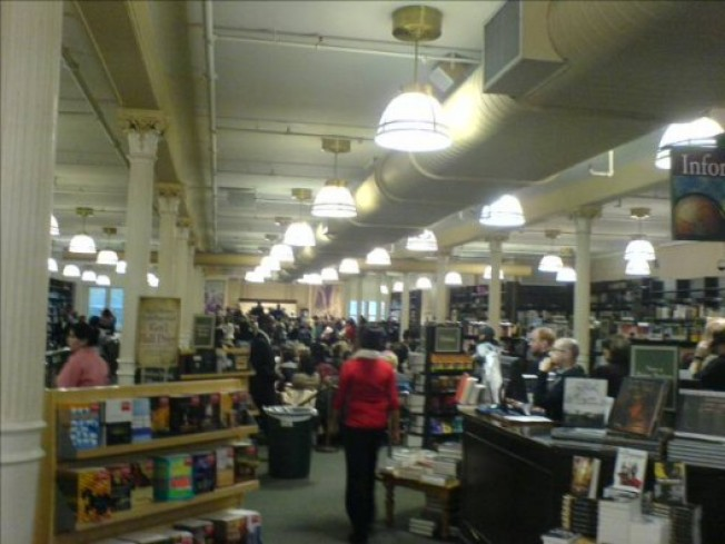 Lineblogging: Olsens Hugely Influential at B&N