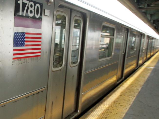 Online Lost-and-Found for Straphangers' Stuff