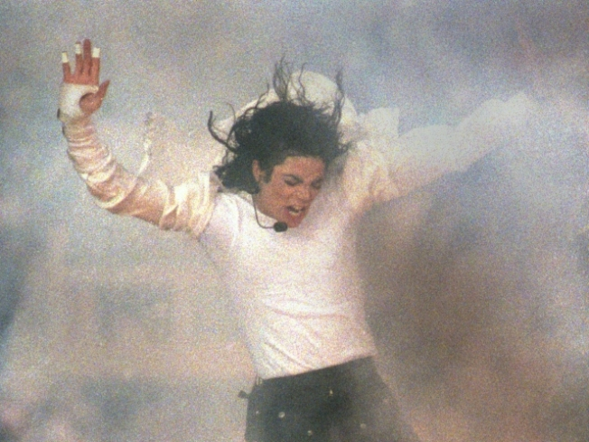 Apollo to Induct King of Pop, Queen of Soul in Hall of Fame This Summer