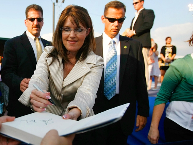 Sarah Palin Memoir Tops the Charts