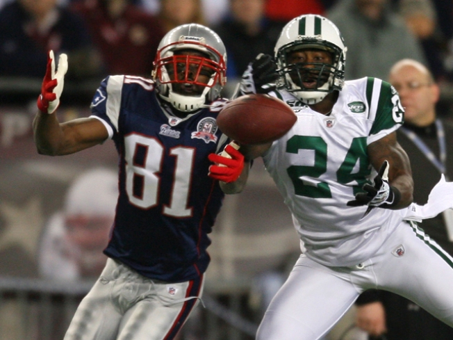Randy Moss Trade to Vikings Opens Field for Jets in AFC East