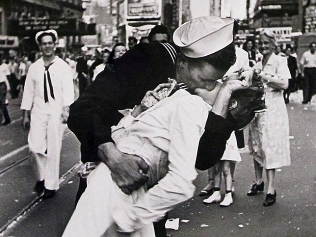 The Story Behind the WWII VJ Day Kiss Photo  Time