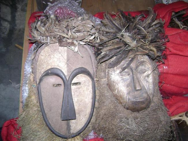 """Survivor"" Artifacts Seized at Customs"