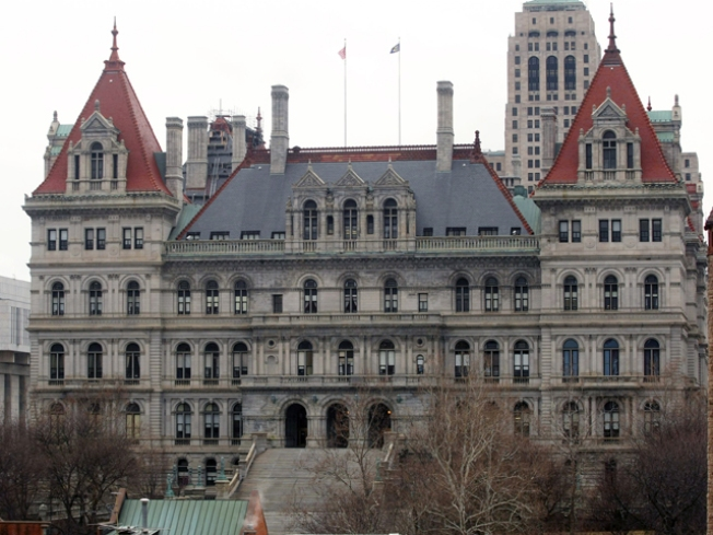 Moody's to Albany: Cut Spending or We'll Cut Credit Rating
