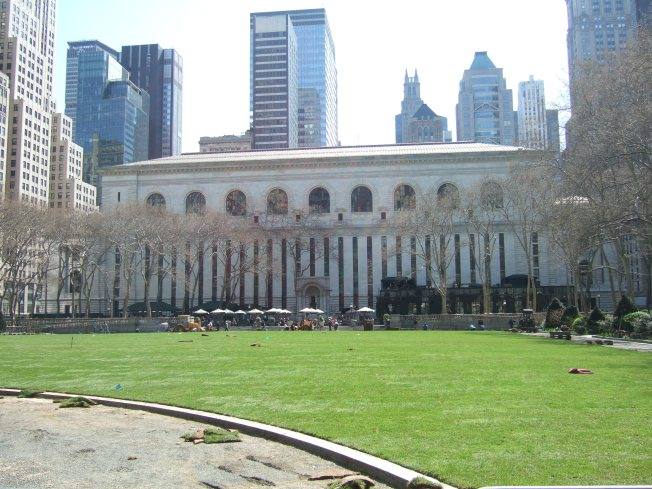 "Go ""Green"" in Bryant Park this Spring and  Summer"