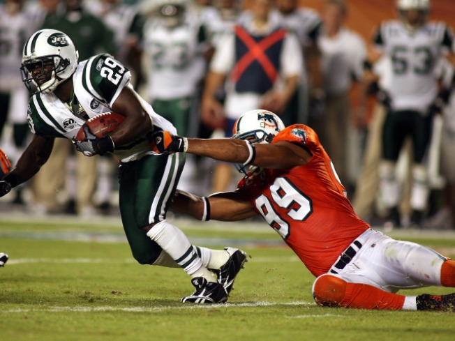 Jets Roll Out Red Carpet for Jets-Hater Jason Taylor