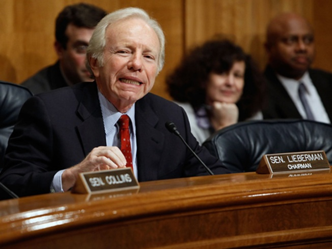 Lieberman Sides with Republicans, Blasts FBI