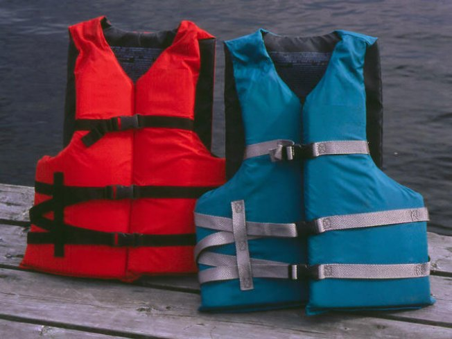 Trapped Teens in Inflatable Boat Rescued From Newark Bay