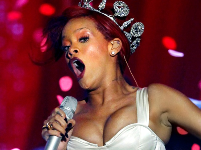 Rihanna Battling Bronchitis and Laryngitis Pre-Grammys