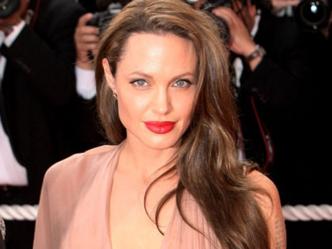 "Angelina Jolie In Talks For Killer ""Gucci"" Role"