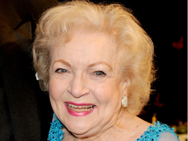 "Betty White Begins Final Countdown to ""SNL"" Hosting Debut"