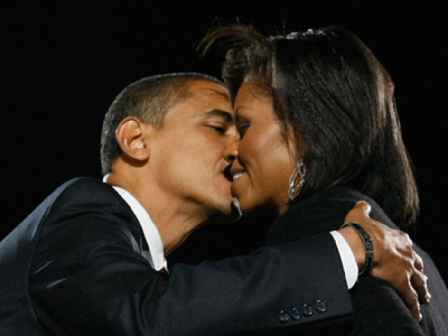 Barack Obama Drops 30 Large on Ring for Michelle (UPDATED)