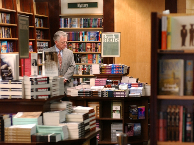 Closing Barnes & Noble Spot Worthy of History Section