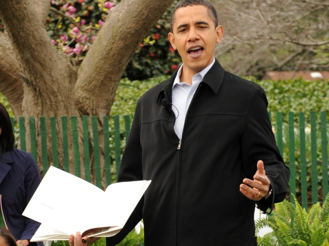 """Obama Mum on What's in """"Book of Secrets"""""""