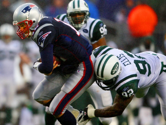 Tom Brady Hates the Jets, World Keeps Spinning
