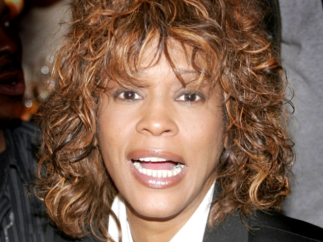 "Rep: Whitney Houston ""Not Using Drugs"" & ""Not in Rehab"""