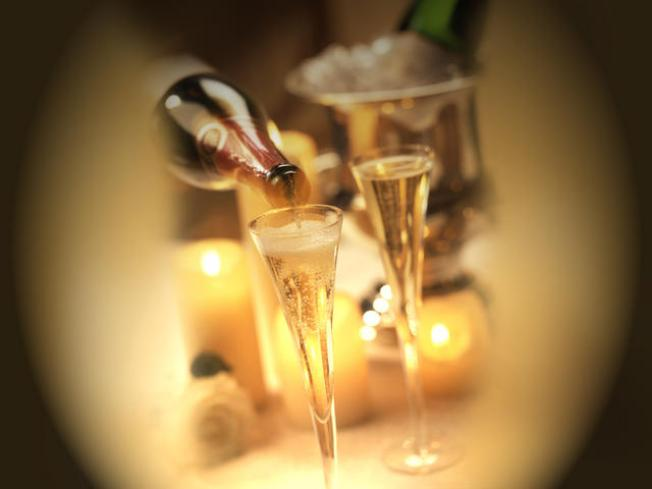 12/3: Bubbly-Sipping Bonanza