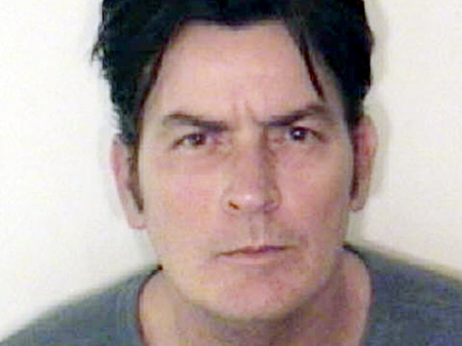 Wife Said Charlie Sheen Threatened to Kill Her: Cops