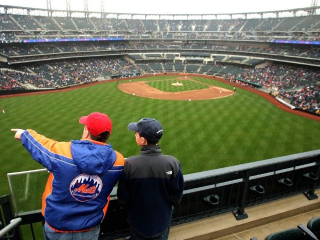 Mets Stop Being Obstructionist About Stadium Obstructions