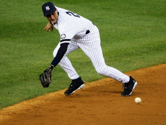 Texeira, Cano and -- Shock -- Jeter Win Gold Gloves