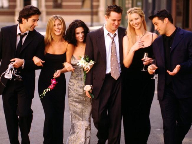 "Lisa Kudrow Nixes ""Friends"" Reunion"